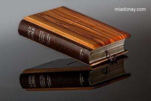 Por Qué la Biblia es el Libro por Excelencia del Mundo